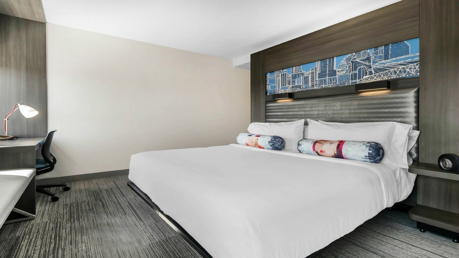 Newport Accommodations - Aloft King Room